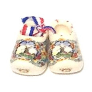 pair of colored Souvenirclogs | Original colored Dutch clogs packed in a couple