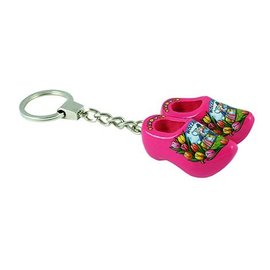 Keychain with 2 pink clogs