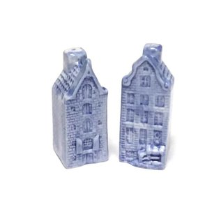 Pepper and salt set of delft blue houses