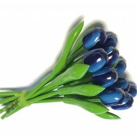 Strauß blauer Holz Tulpen