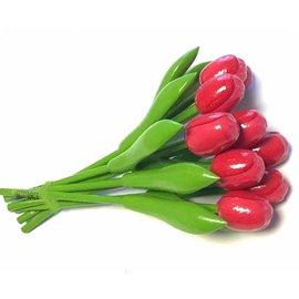 boeket roze houten tulpen