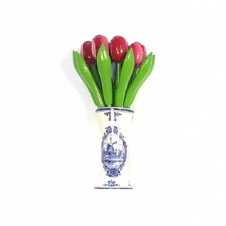 Tulpen aus Holz in Rot-Weiß in einem Delft blauen Vase