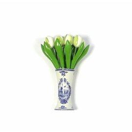 kleine Tulpen aus Holz in weiß in einem blauen Vase Delft