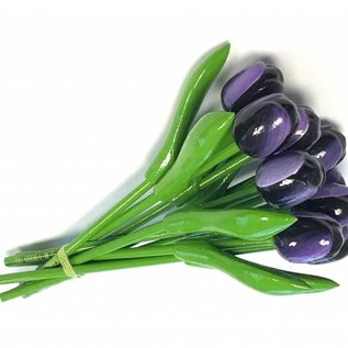 bouquet with tulips in the color dark purple