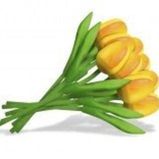 boeket met houten tulpen in de kleur geel