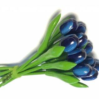 Boeket blauwe houten tulpen