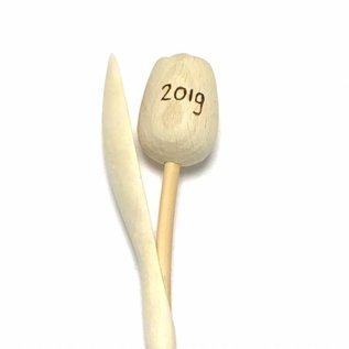 houten tulpen met gravering