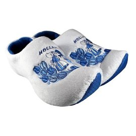 clog slippers white kissing couple