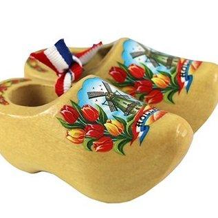 Souvenirs klompje blank gelakt met tulpen en molen 10cm