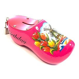 Moneybox clogs with text