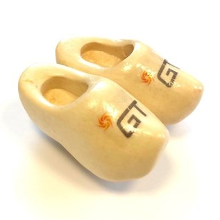 Clog with logo on a magnet