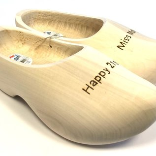 Trip wooden shoes with engraving