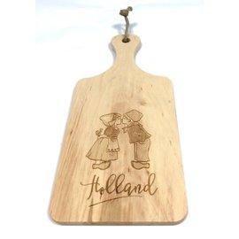 cutting board kissing couple