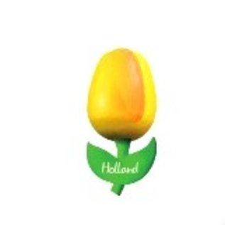 hölzerne Tulpe auf einem Magneten mit dem Text klein