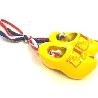 Brooch / corsage clogs farmer yellow