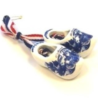 Brooch / corsage clogs Delft blue