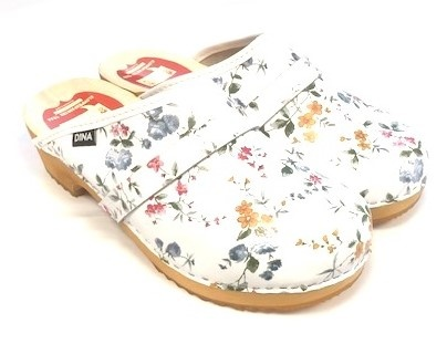 Swedish clogs with flowers