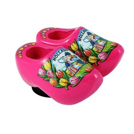 clogs with a magnet pink