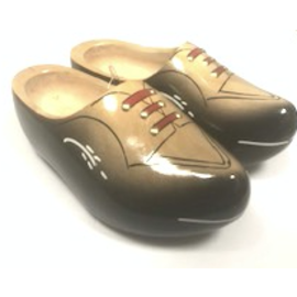 Robust wooden shoes black