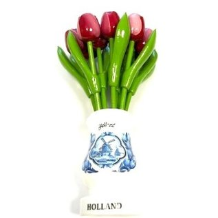 Rot-weiße Tulpen aus Holz in einer weißen Holzvase