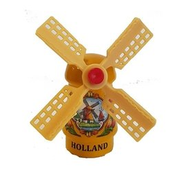 Gelbe Andenkenmühle auf einem Magneten