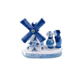 Delft blue windmill with kissing couple