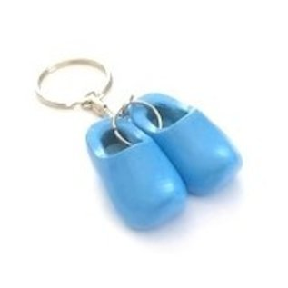 Keychain with 2 clogs with flag