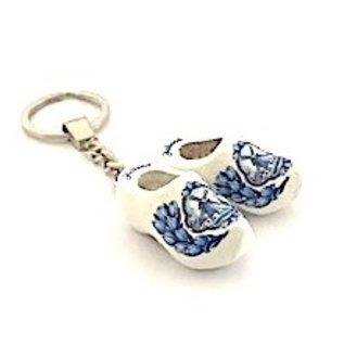 Schlüsselring mit 2 Clogs von 4 cm in der Farbe Weiß