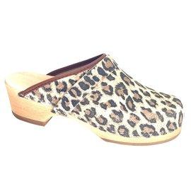 panther clog