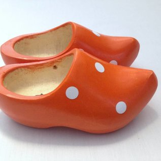 Children's clogs with dots in all colors.