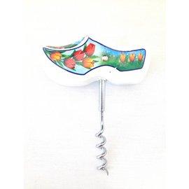 Corkscrew wooden shoe white