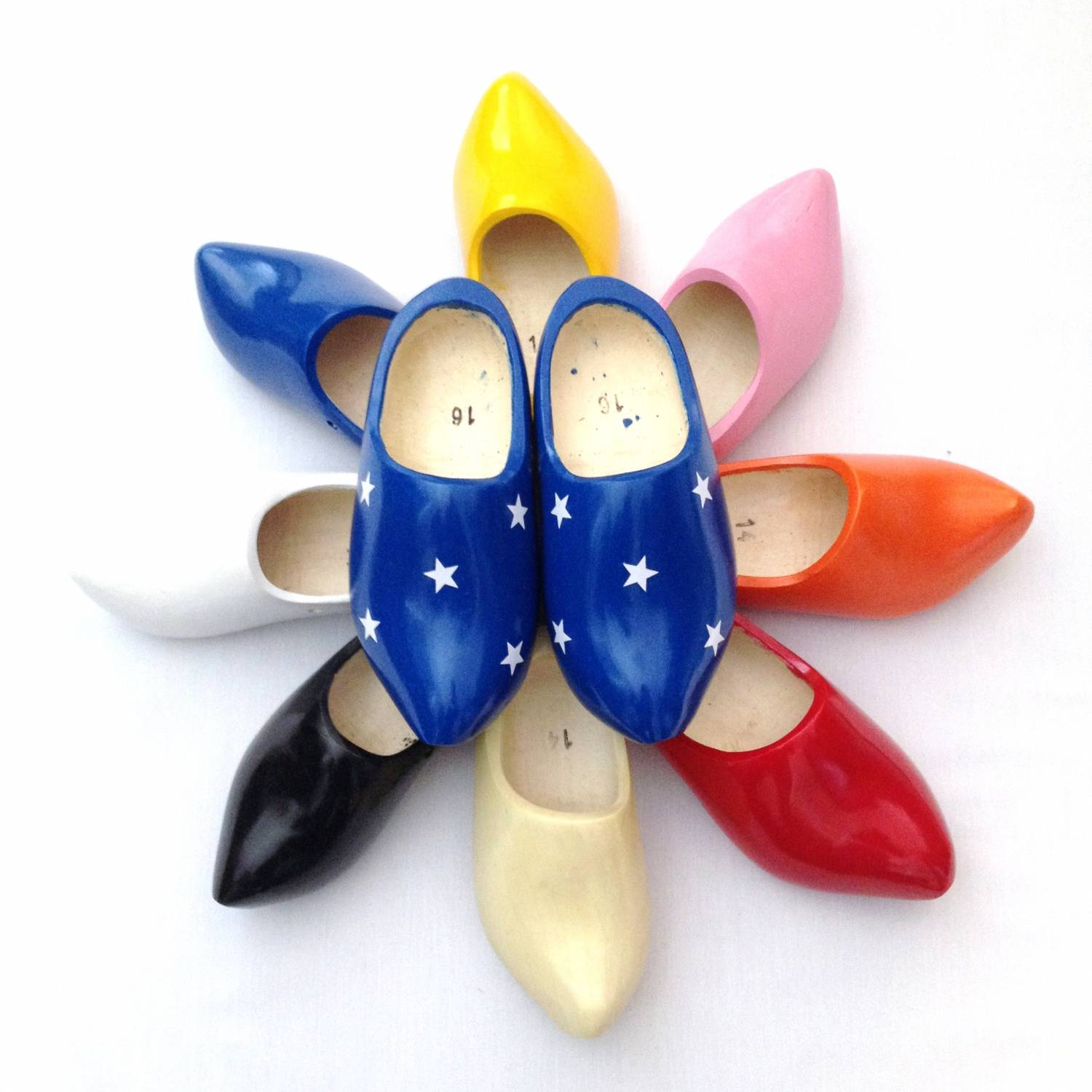 order wooden shoes online without worry