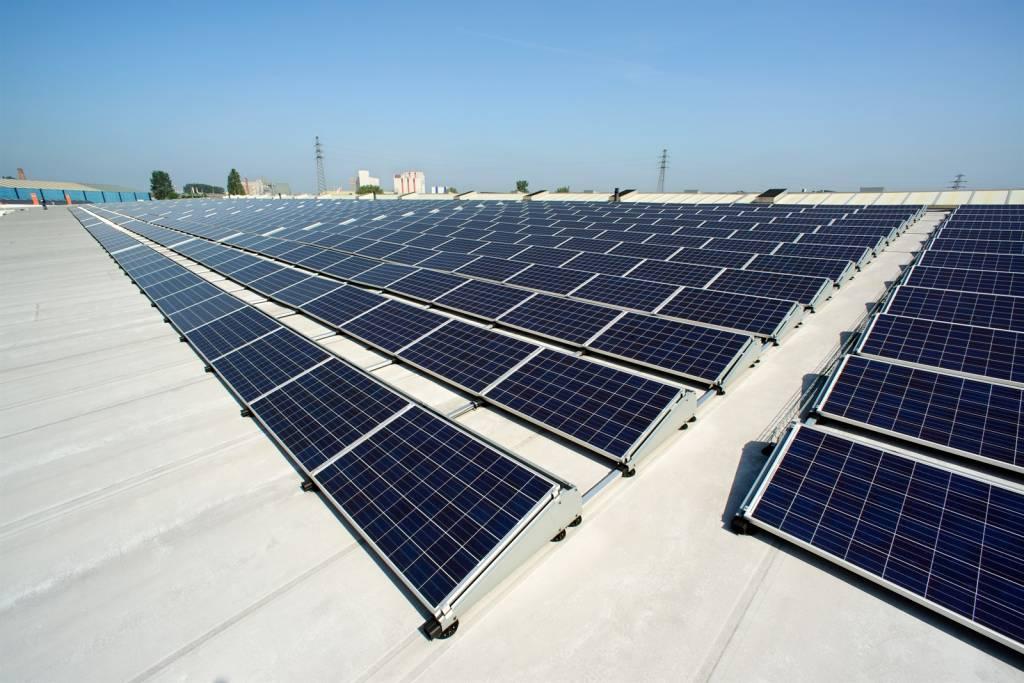 Solar doe het zelf pakket compleet incl zonnepanelen omvormer