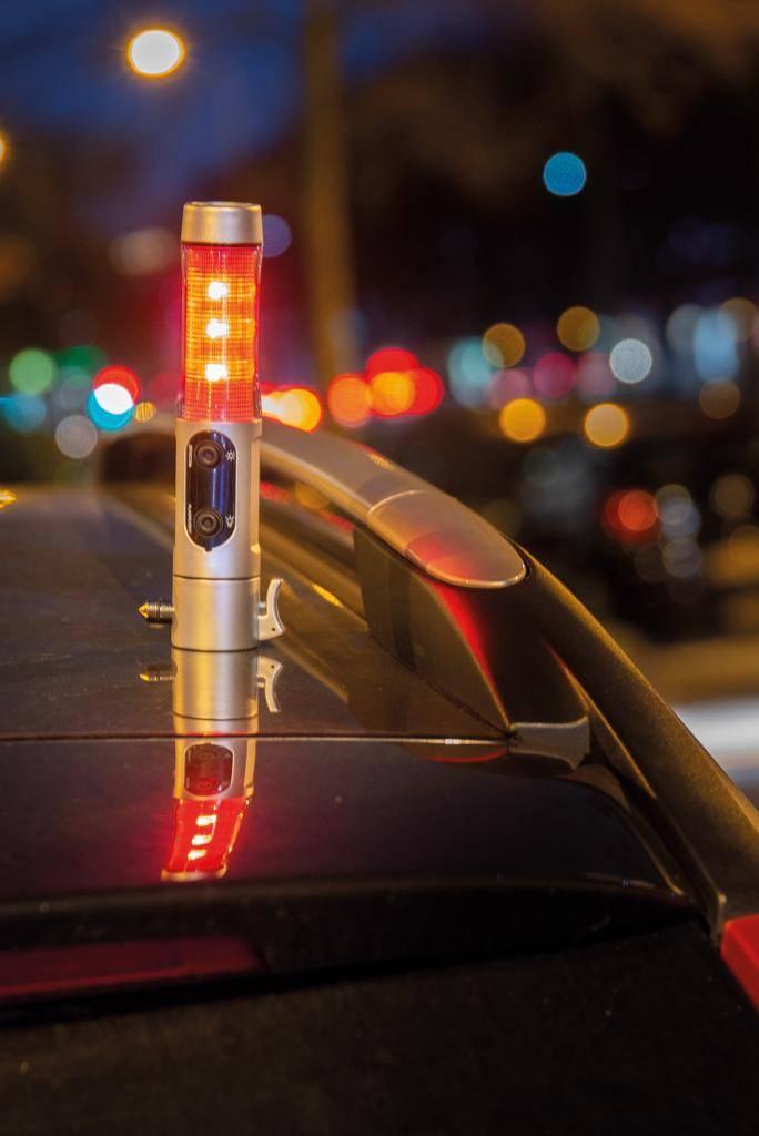 Auto & fiets artikelen bedrukken Veiligheidszaklamp met noodhamer P239.21