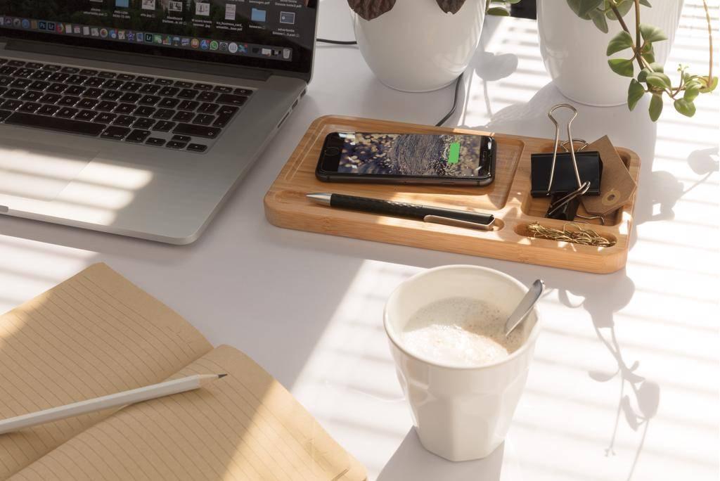 Computer gadgets bedrukken Bamboe desk organizer met 5W draadloze oplader P308.62
