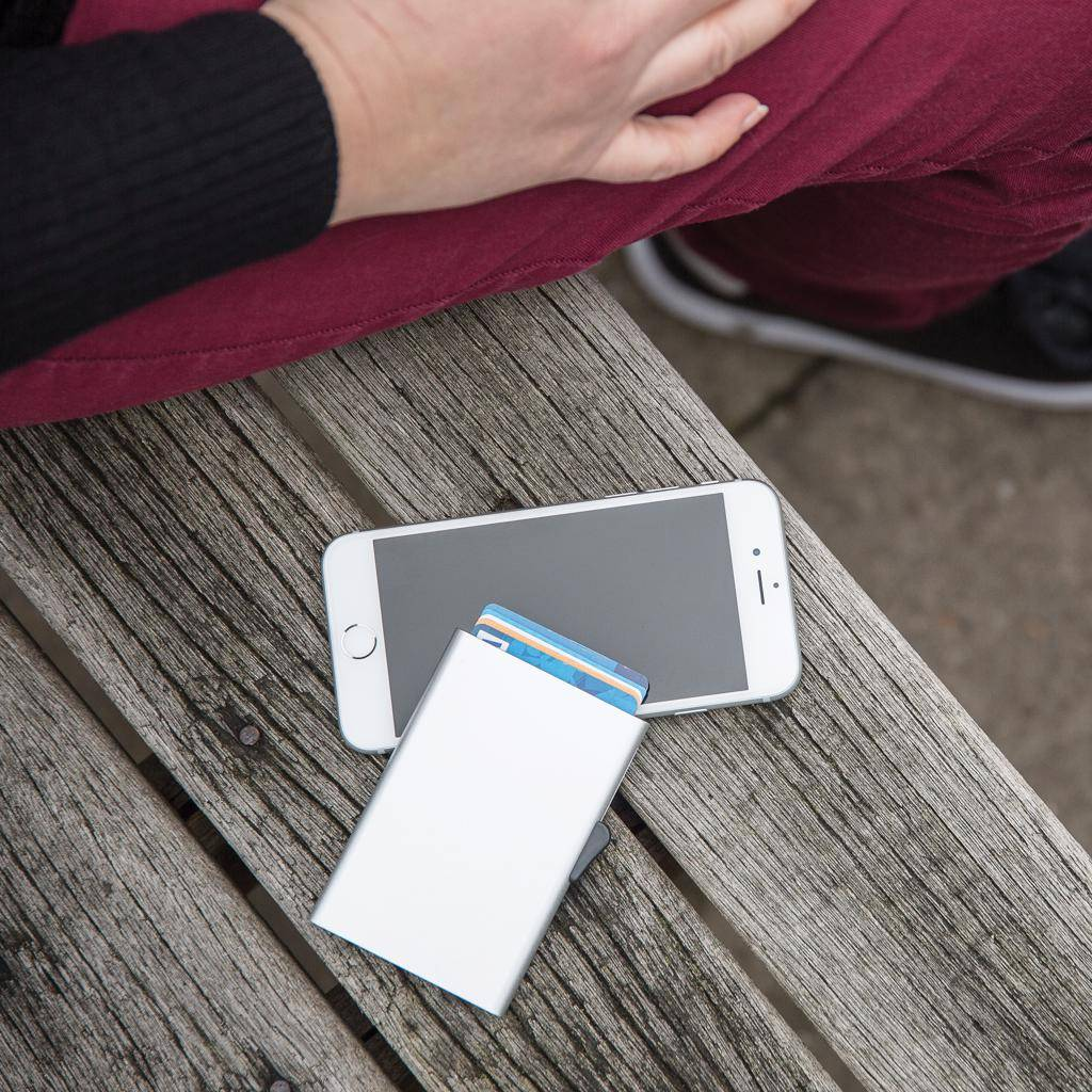 C-Secure aluminium RFID kaarthouder P820.49
