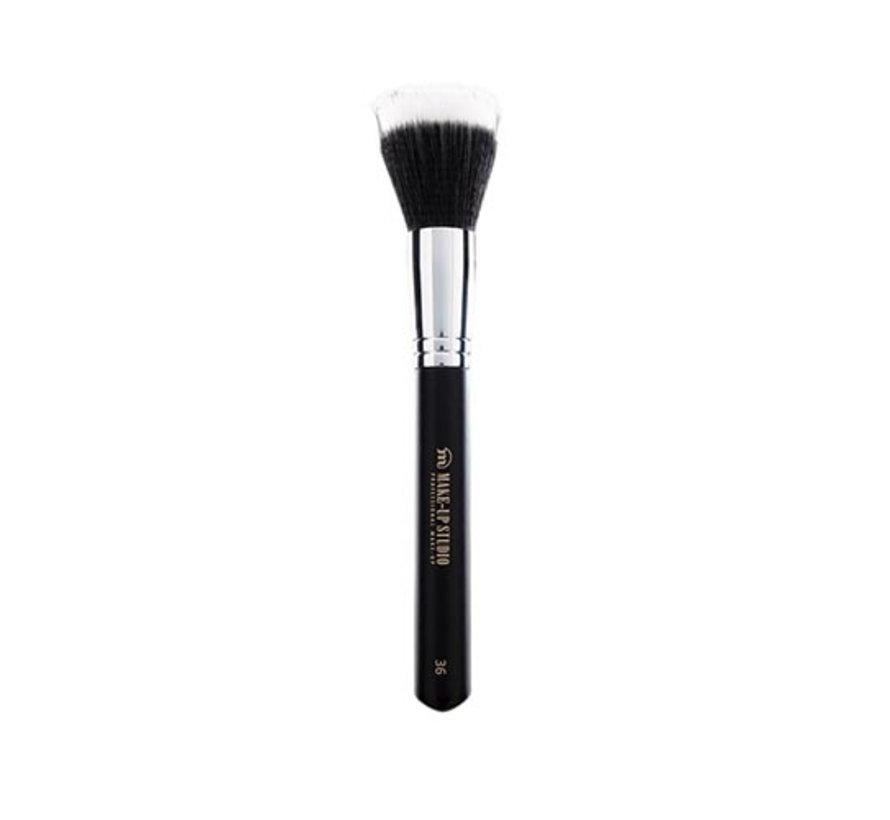 Make-Up Studio Nr. 36 Foundation Polish Brush Medium