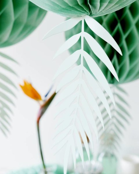 GREEN DECO LEAVES