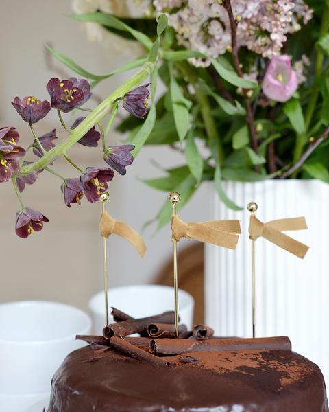 OCHRE VELVET CAKE TOPPERS