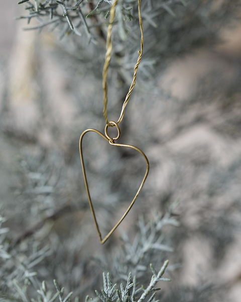 available early October 2020 5 WIRE HEART ORNAMENTS