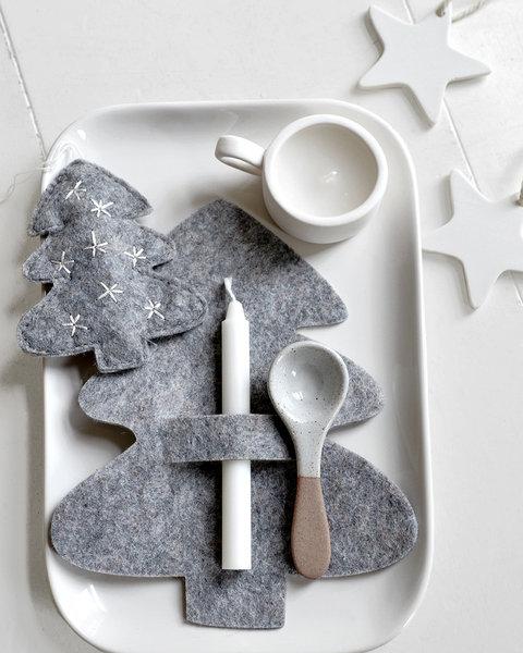 5 GRAY FELT CHRISTMAS TREE ORNAMENTS