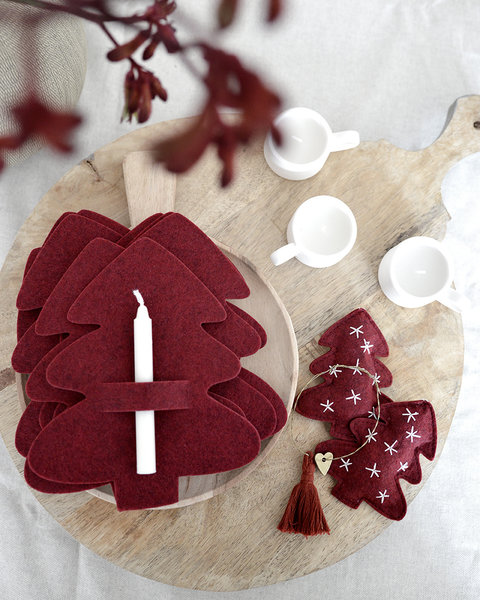 5X2 CRANBERRY RED PAPER STARS