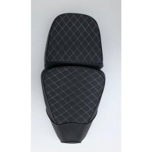 Buddyseat/ zadel zwart geruit RSO Sense/vx50/Riva/vespelini/Vespa-look