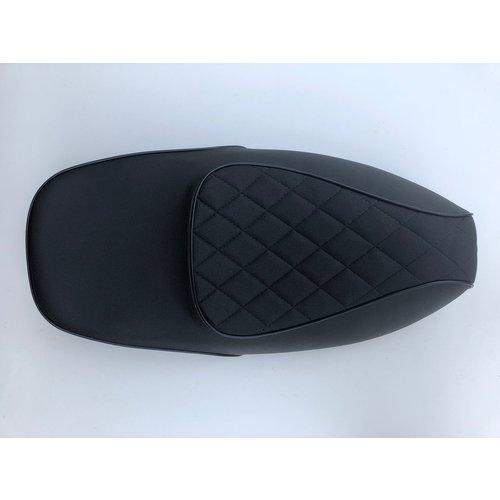 Buddyseat/ zadel zwart ruit RSO Sense/vx50/Riva/vespelini/Vespa-look
