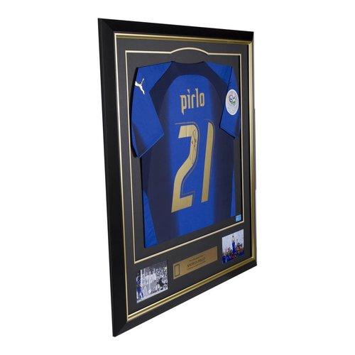Andrea Pirlo gesigneerd Italië WK 2006 shirt - ingelijst