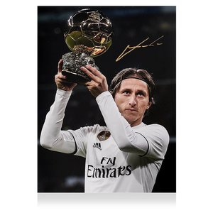 Luka Modrić gesigneerde Real Madrid foto - Ballon d'Or