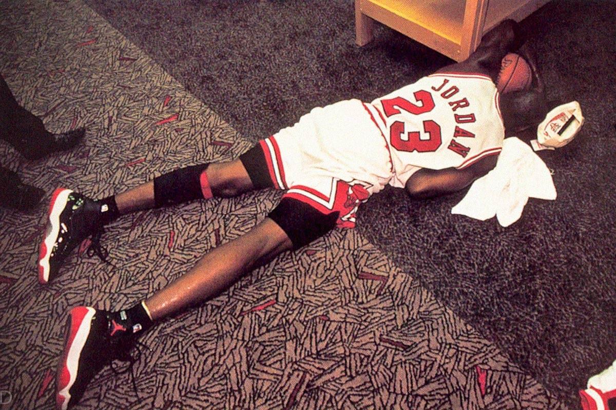 Michael Jordan in tranen na het winnen de vierde NBA-titel