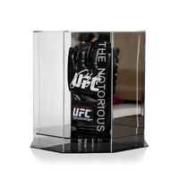 Conor McGregor gesigneerd UFC bokshandschoen - display case