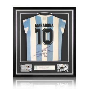 Diego Maradona gesigneerd Argentinië shirt - ingelijst