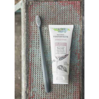 The Natural Family Natural Toothpaste Sensitive